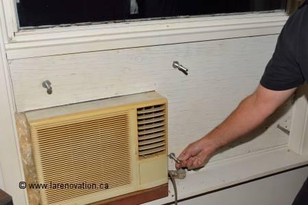 Installer un climatiseur dans une fen tre de maison for Plexiglas exterieur