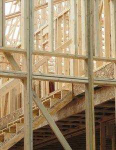 Photo de la charpente des murs, planchers, escalier ...