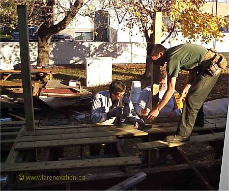 Construire un patio en bois for Recouvrement de patio en bois