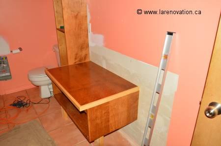 Photo d'une salle de bain en rénovation