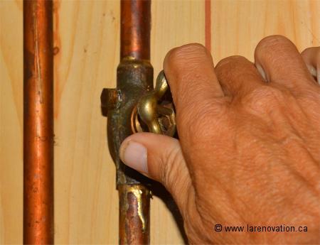 Comment reparer un robinet exterieur qui fuit for Changer un robinet exterieur