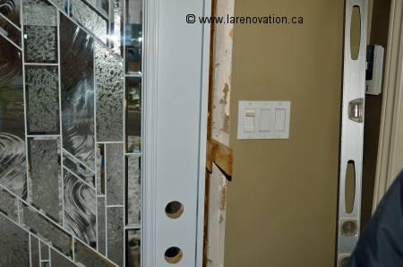 La pose d 39 une porte de maison for Installer une porte exterieure